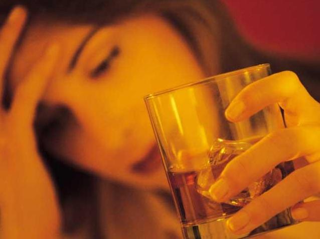 Ալկոհոլն օգնու՞մ է ցրել սթրեսը