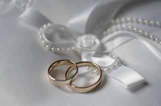 Ընտրում ենք ամուսնական մատանի...